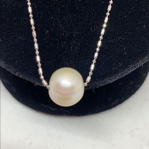 Jewelry - Delicate sterling chain with faux pearl.